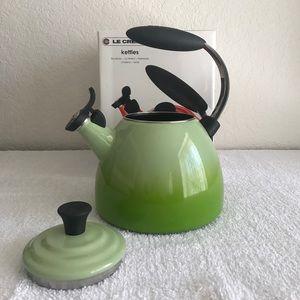 Le Creuset Enameled Steel Halo Tea Kettle